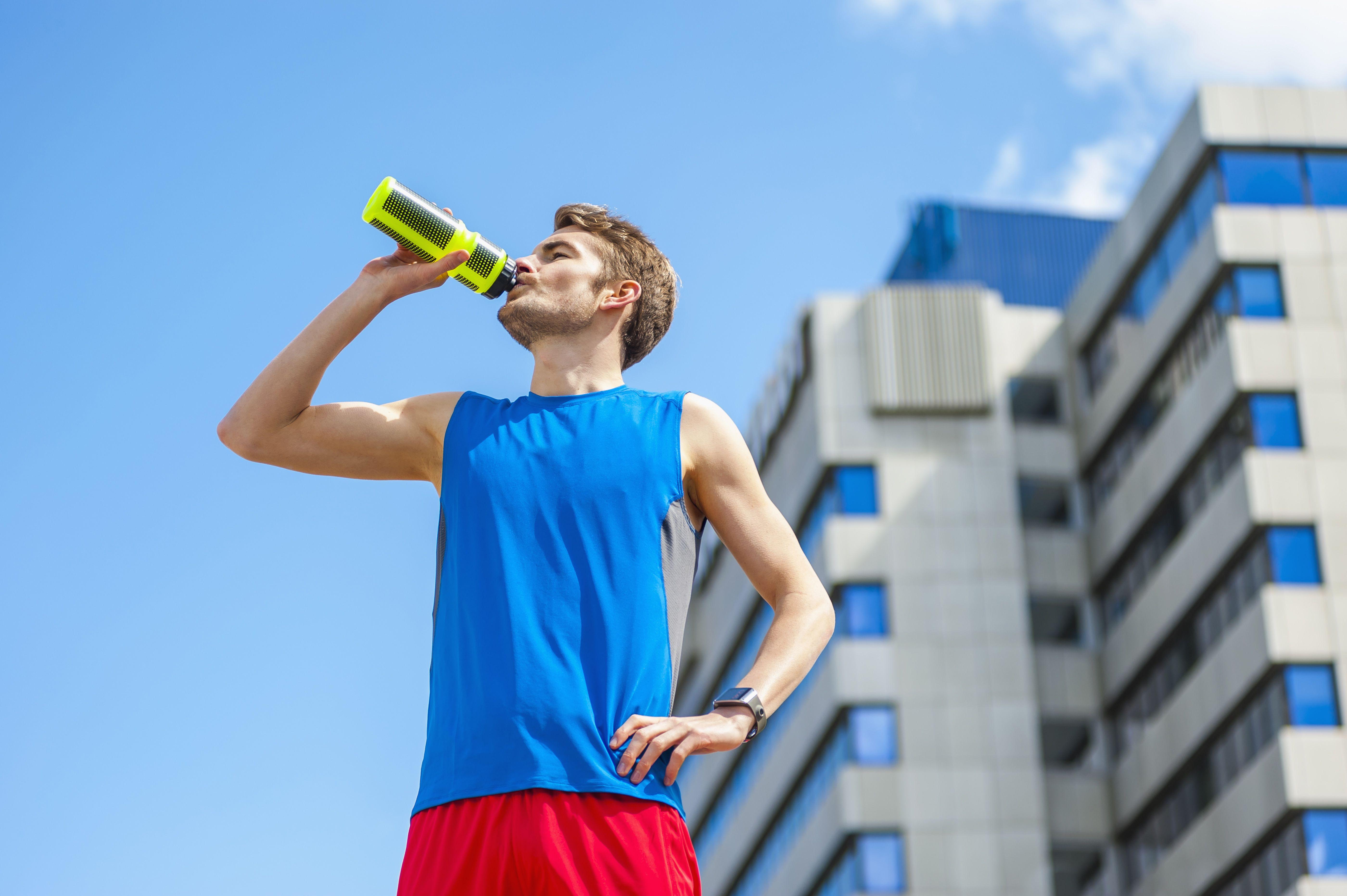Cinturones de hidratación: el mejor accesorio para salir a correr en verano
