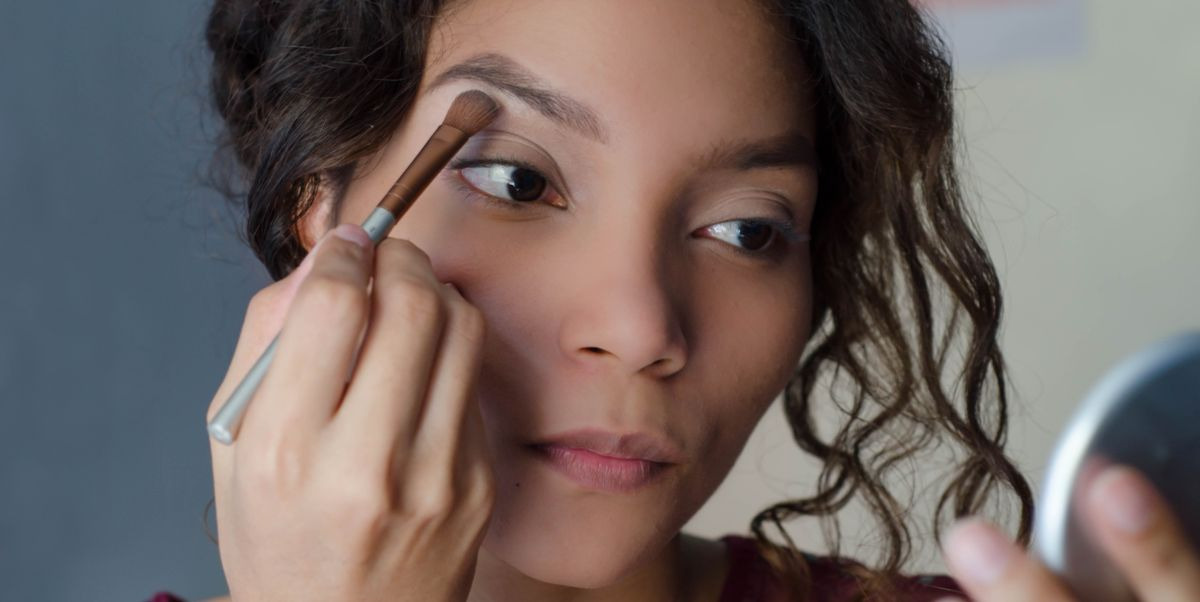 Experts share their top tips on how to apply eyeshadow