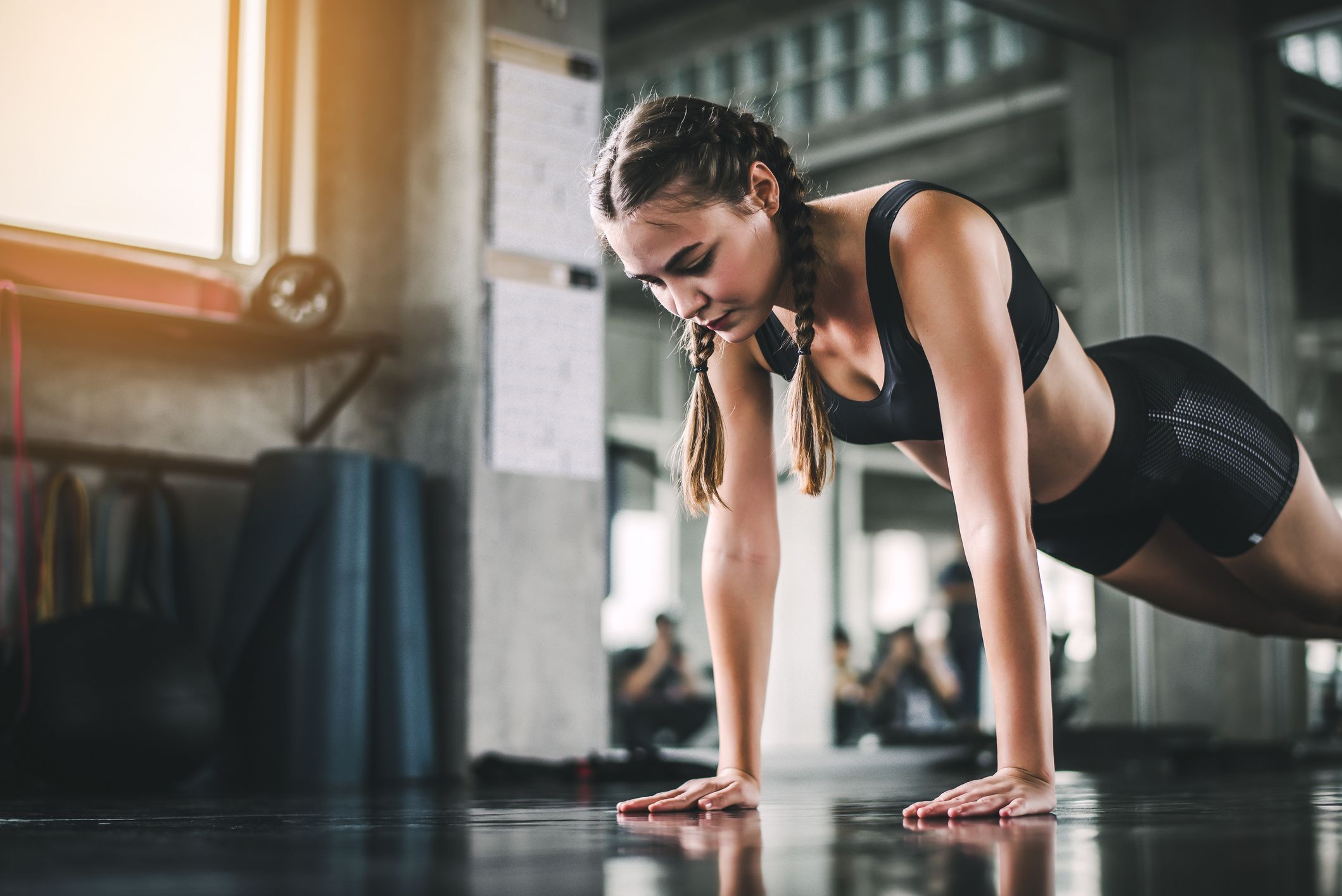 This 15-minute no-kit HIIT workout is a quick, full-body burner
