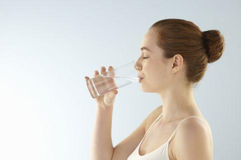 營養師激推「8杯水減肥法」每天照時間表喝,瘦身、消水腫有感