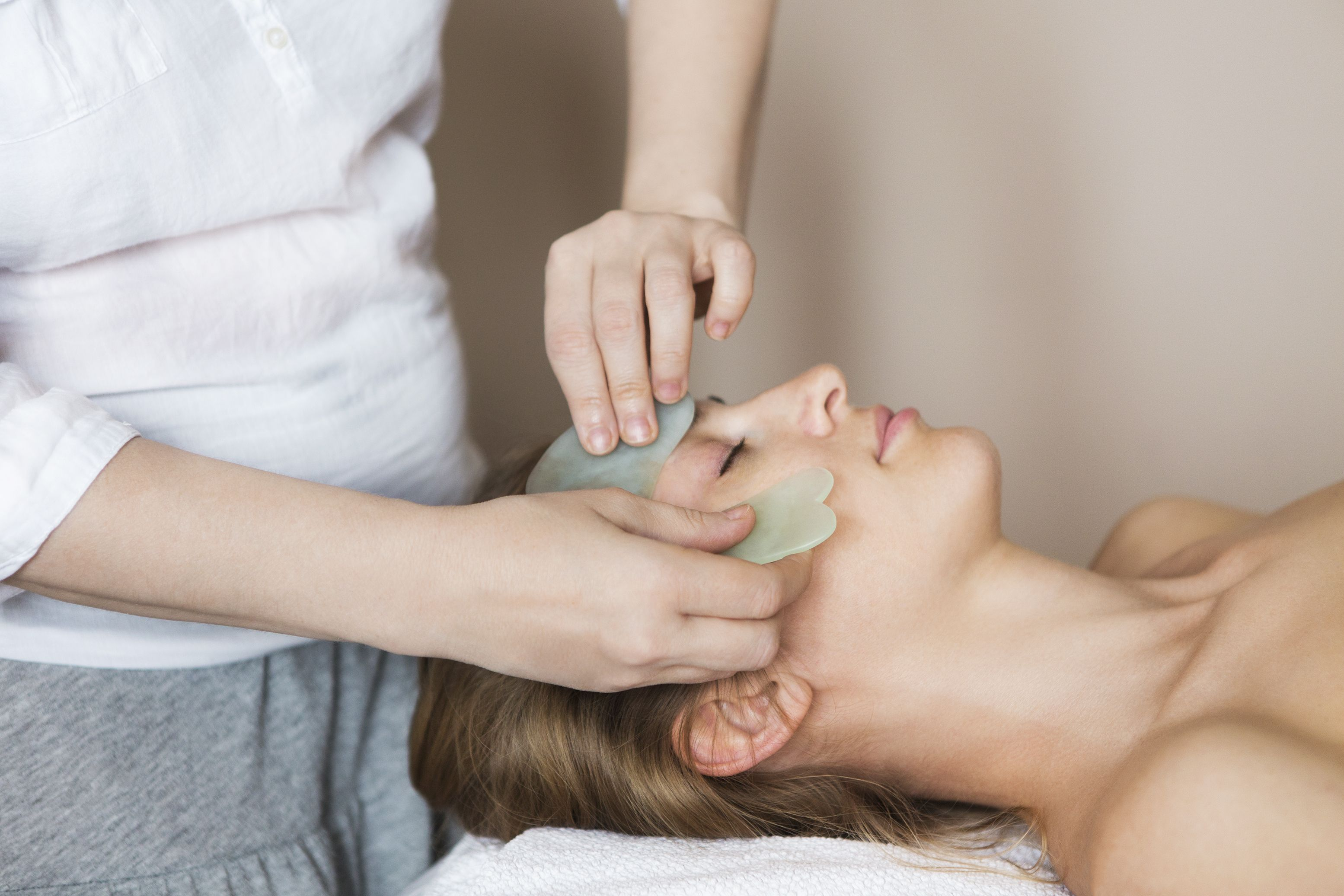 Everything You Need to Know About Gua Sha Benefits