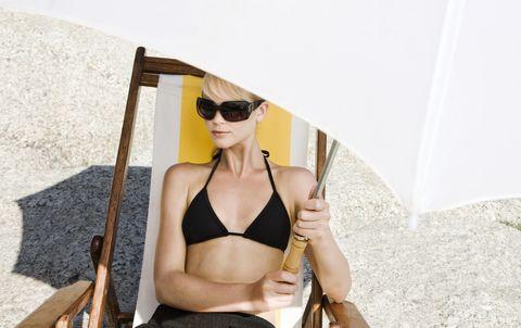 Cómo evitar las manchas en la piel provocadas por el sol