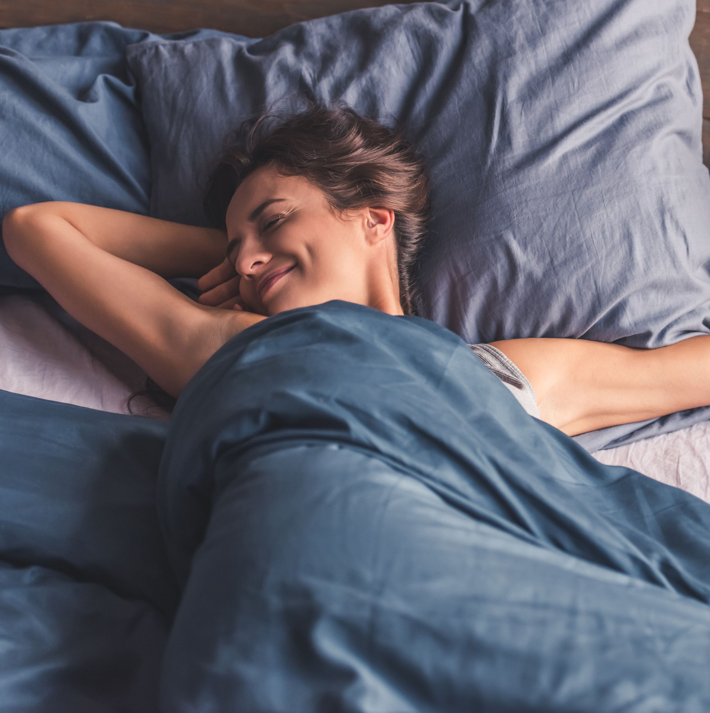 The Best Sheets to Keep You Cool and Sweat-Free All Night, According to a Sleep Doctor