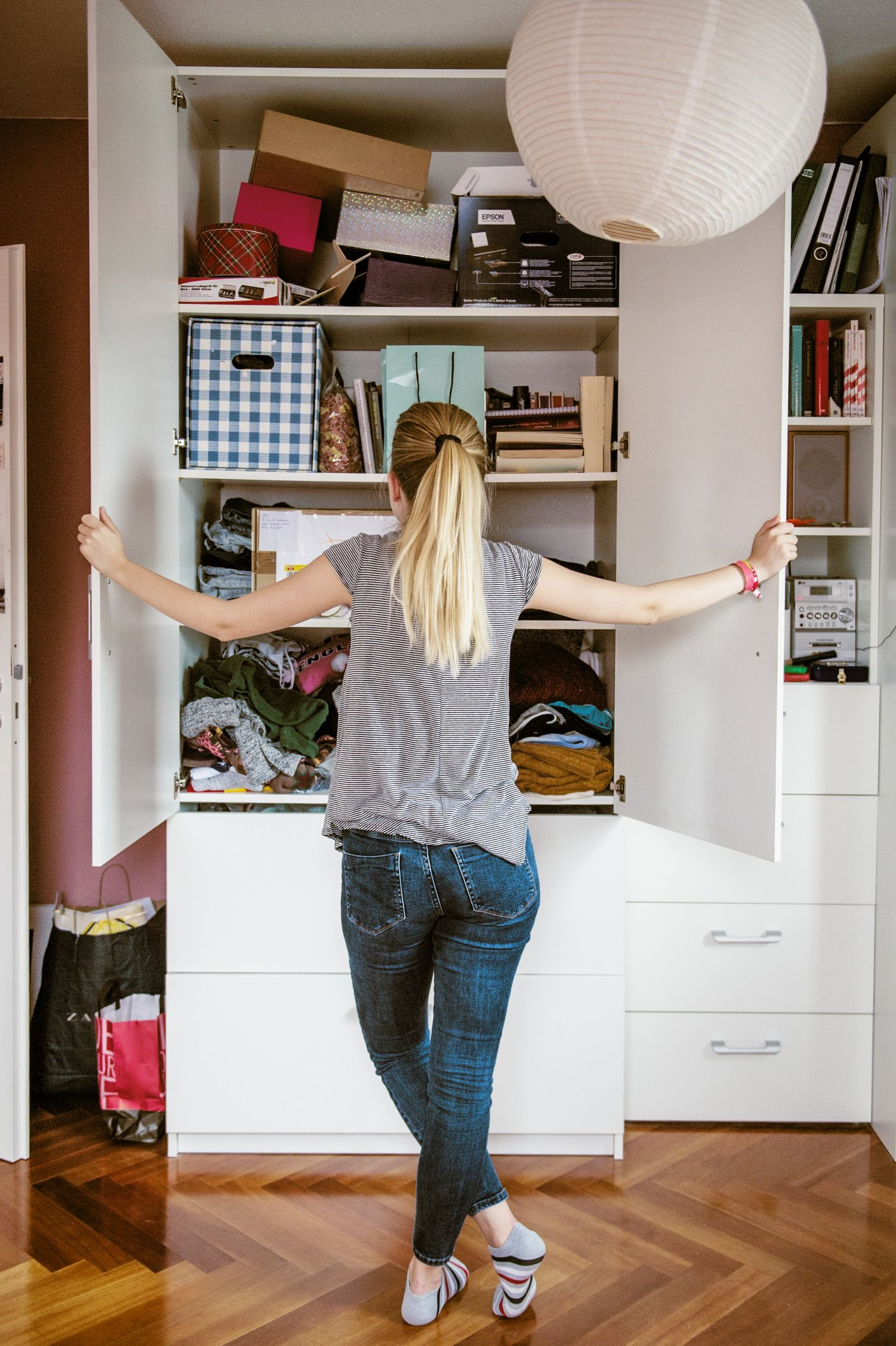 9 things decluttering experts won't keep in their cupboards
