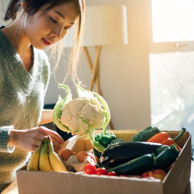線上買菜推薦!5大通路、10大網路生鮮平台懶人包,蔬果箱、新鮮肉品、防疫物資一次購齊