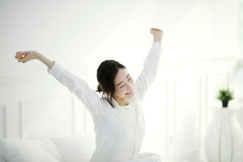 1.早上一睜開眼,就要以感激的心情伸懶腰。