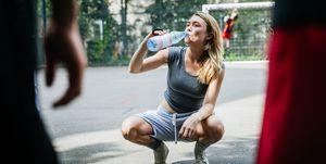 Kun je ook te veel water drinken?