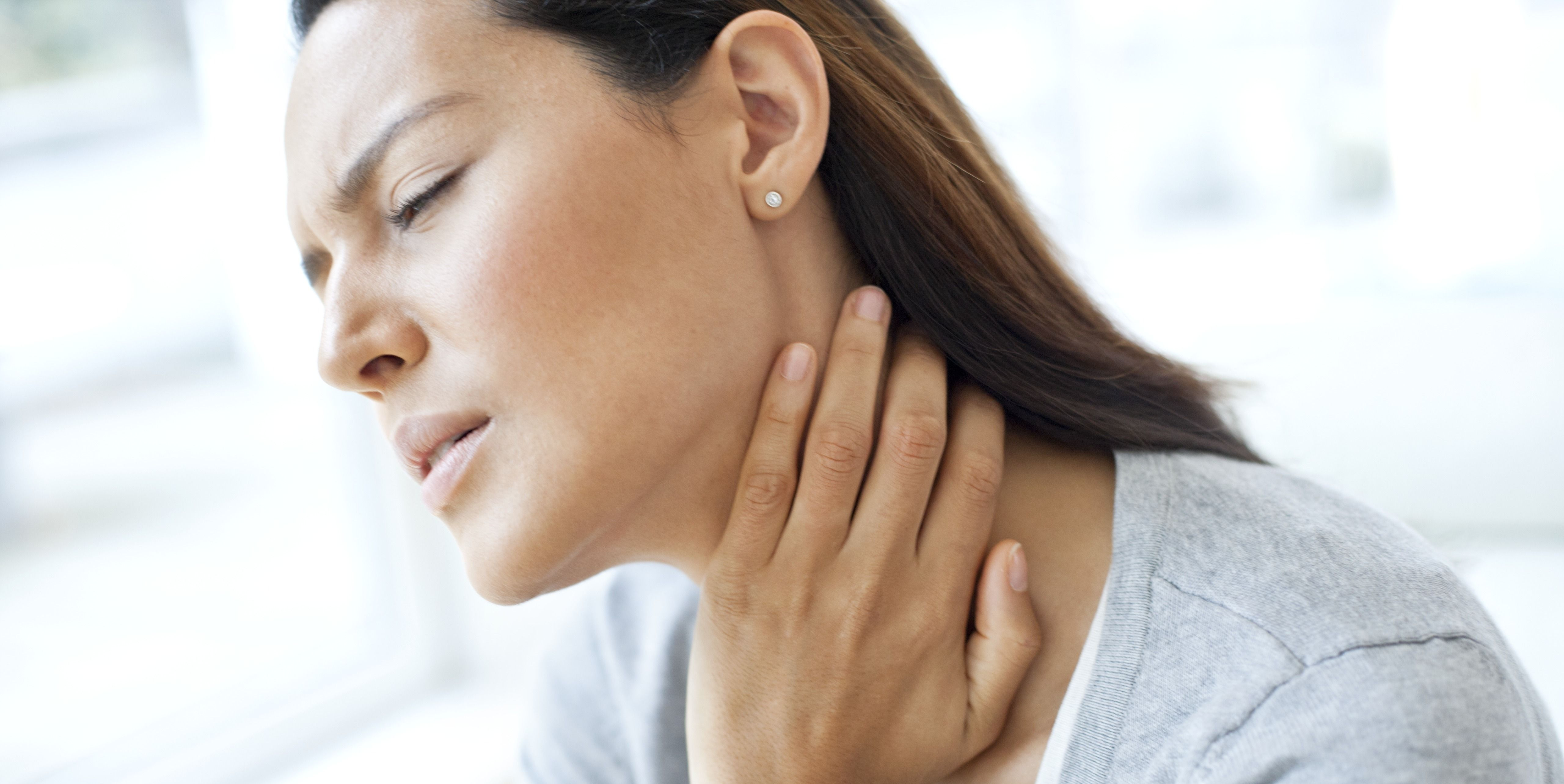 Here Are 6 Sore Throat Remedies You Can Do Right at Home