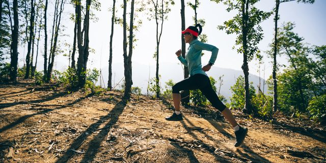 Hill Sprints Cum să construiești mușchi și să arzi mușchiul care rupe grăsimea
