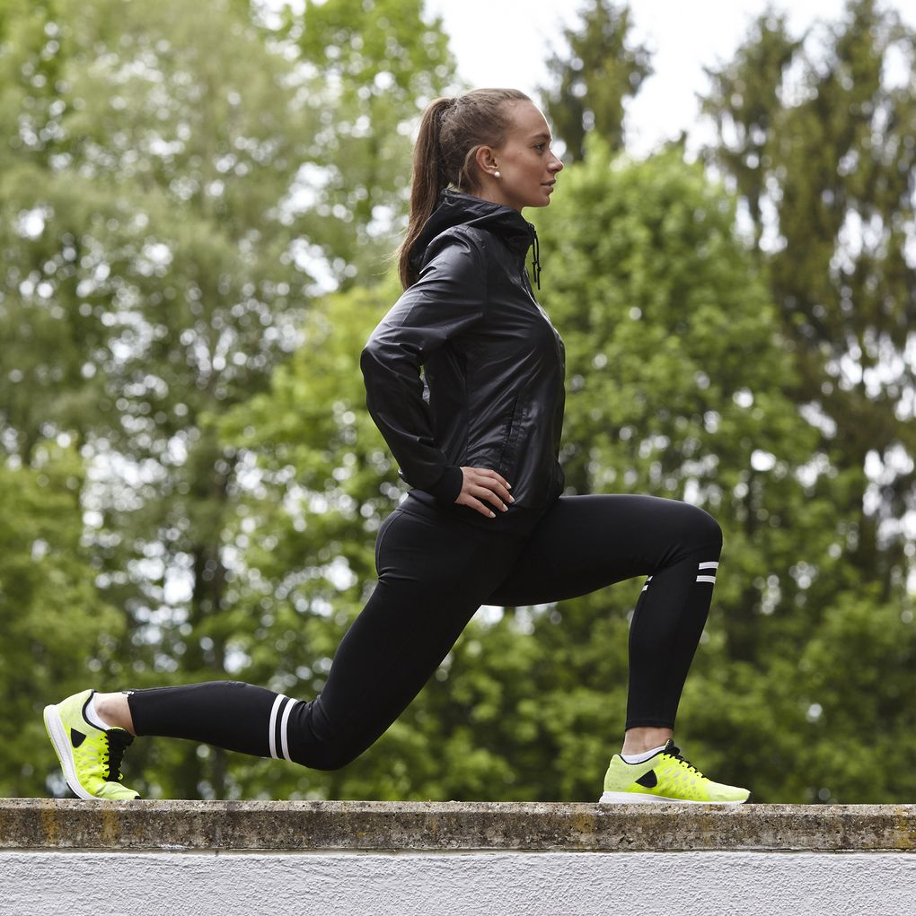 How to Do Lunges Correctly, According to a Trainer