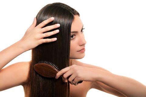 evita la caída del cabello con este cepillo cepillo para el pelo compact hair styler de tangle teezer