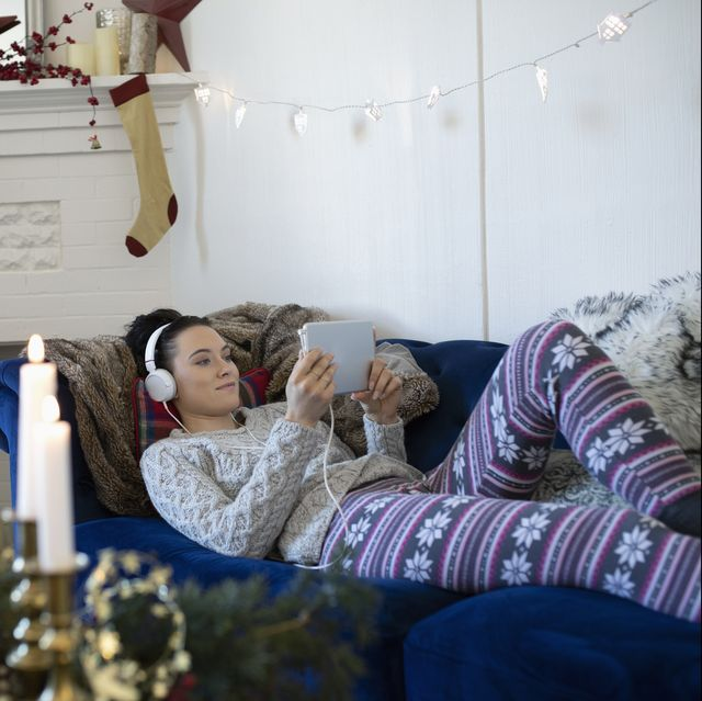 10 Ways to Relax This Holiday When Your Family Gets Overwhelming