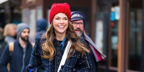 Beanie, People, Facial expression, Street fashion, Clothing, Knit cap, Fashion, Beauty, Smile, Cap,