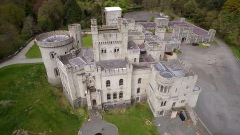 Estate, Mansion, Castle, Château, Aerial photography, Building, Architecture, House, Manor house, Historic site,