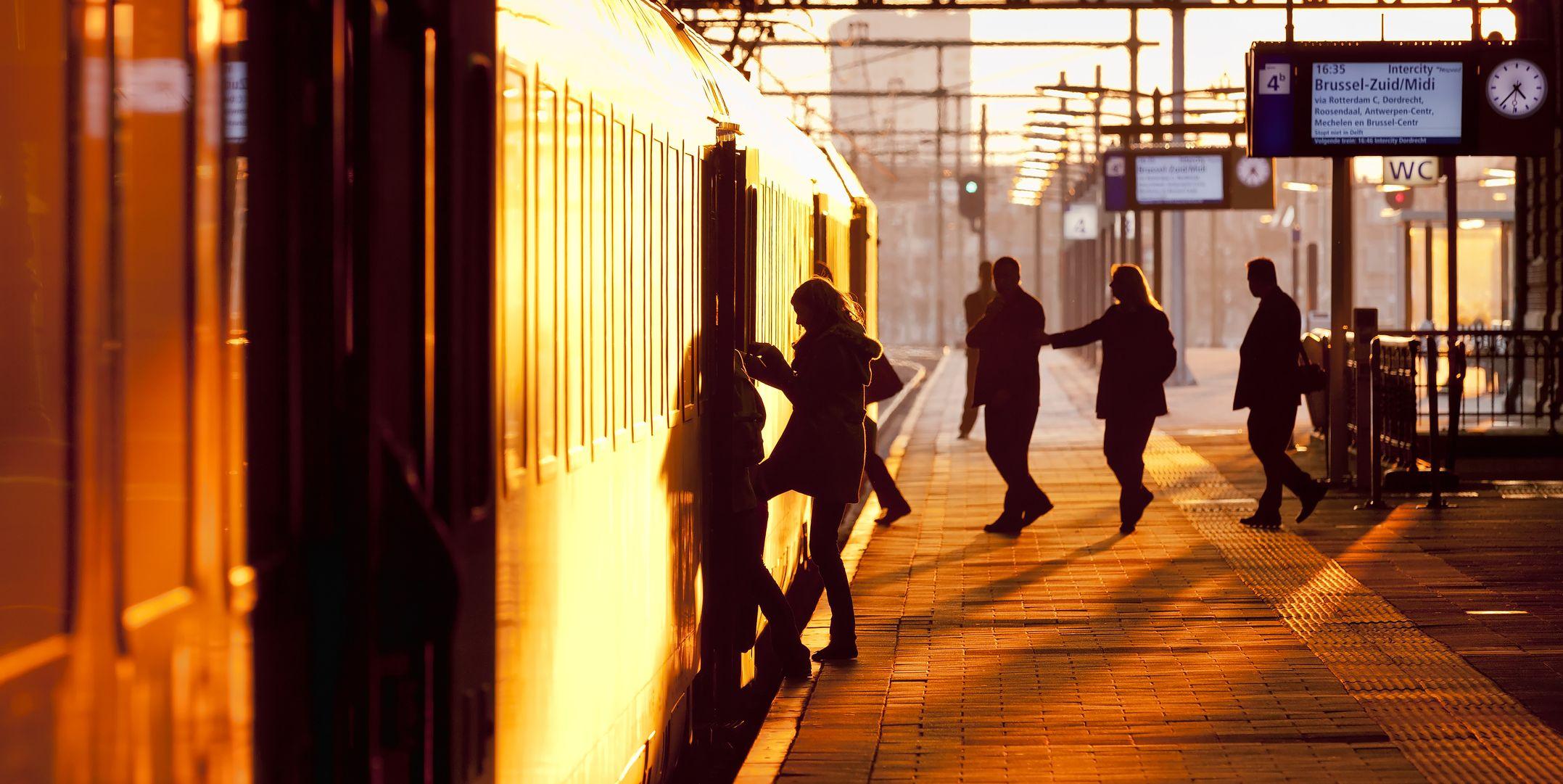 youtuber-liftte-mee-met-rijdende-trein