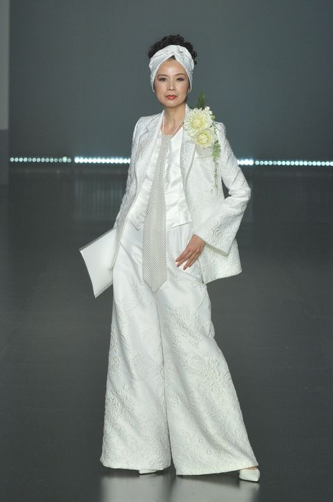 White, Clothing, Fashion, Dress, Outerwear, Gown, Fashion design, Costume, Formal wear, Robe,