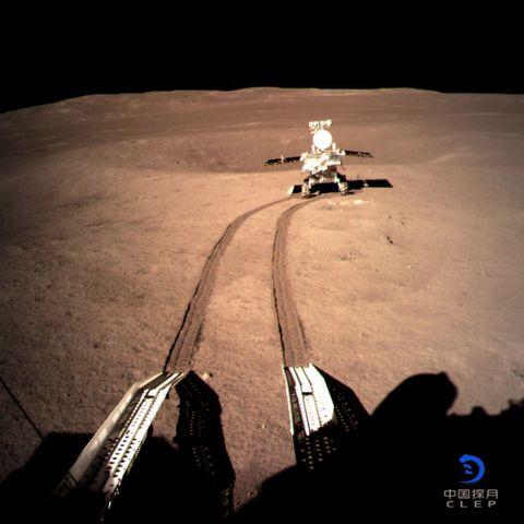 YUta 2 rover rolling moon tracks