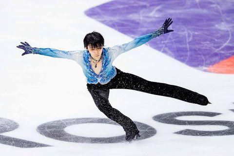 Figure skate, Figure skating, Ice dancing, Ice skating, Jumping, Skating, Recreation, Ice rink, Axel jump, Sports,