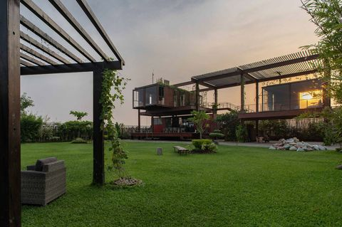 Yard, Backyard, Property, House, Architecture, Grass, Building, Roof, Courtyard, Garden,