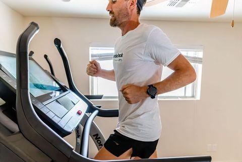 zach bitter attempting 100 mile treadmill world record