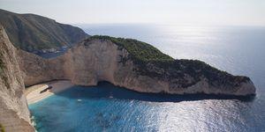 Una spiaggia di Zacinto in Grecia