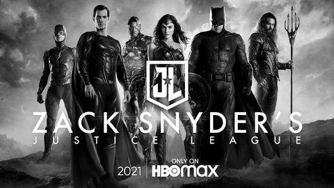 imagen promocional en blanco y negro de los protagonistas de liga de la justicia de zack snyder