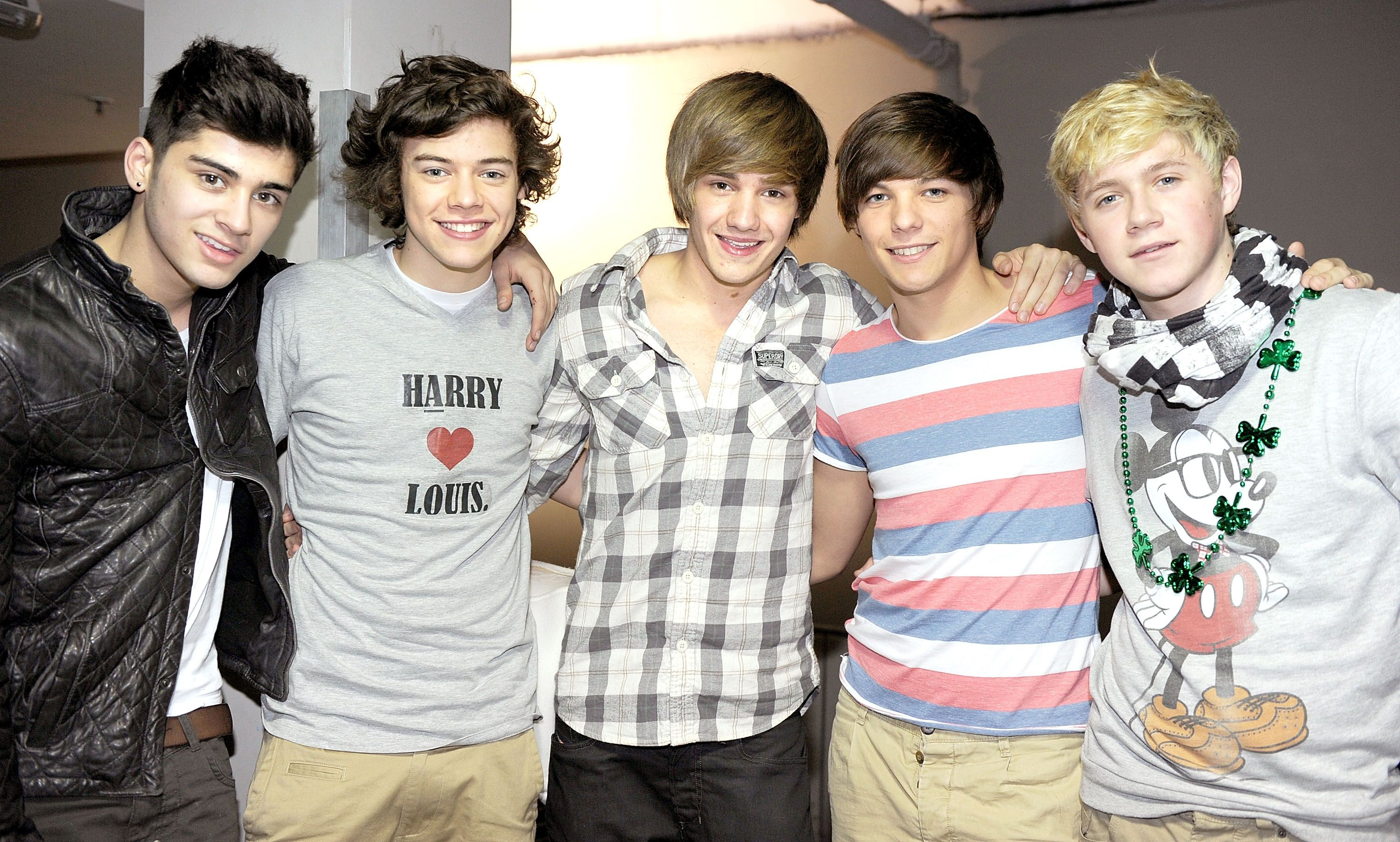 One direction members dating each other