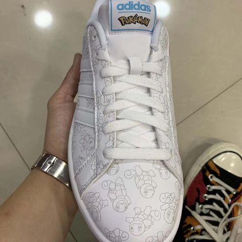 premium selection 647a6 3ebd7 Pokémon   así son las zapatillas que ha lanzado Adidas