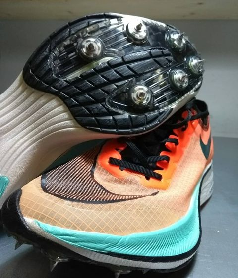 zapatillas, personalizadas, atleta, roberto, alaiz