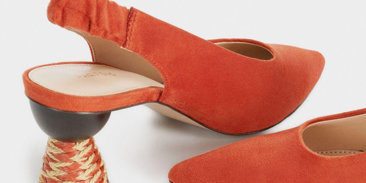 a8cb4cc2264 Estos zapatos de tacón de Parfois de 30 € son los que quieres para tus  pantalones blancos tobilleros