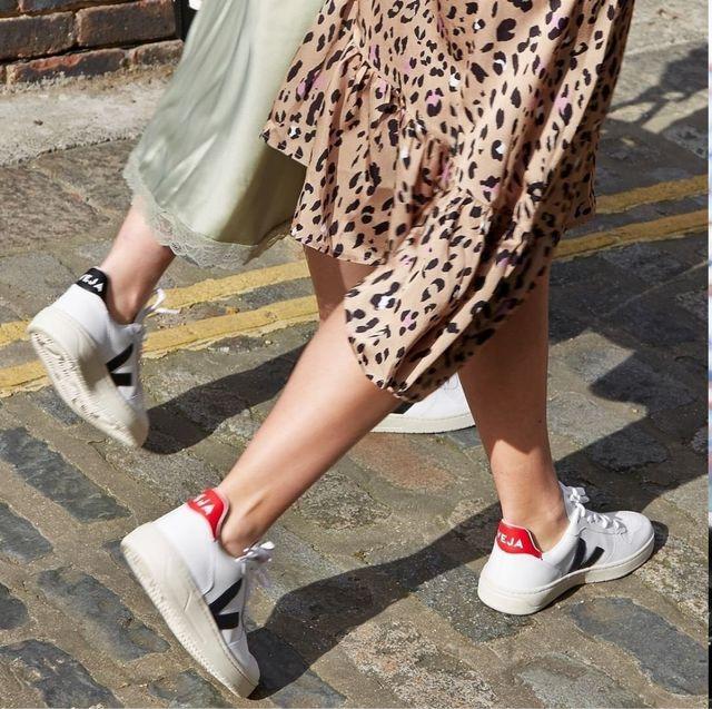 Footwear, White, Street fashion, Shoe, Leg, Human leg, Fashion, Ankle, Plimsoll shoe, Joint,