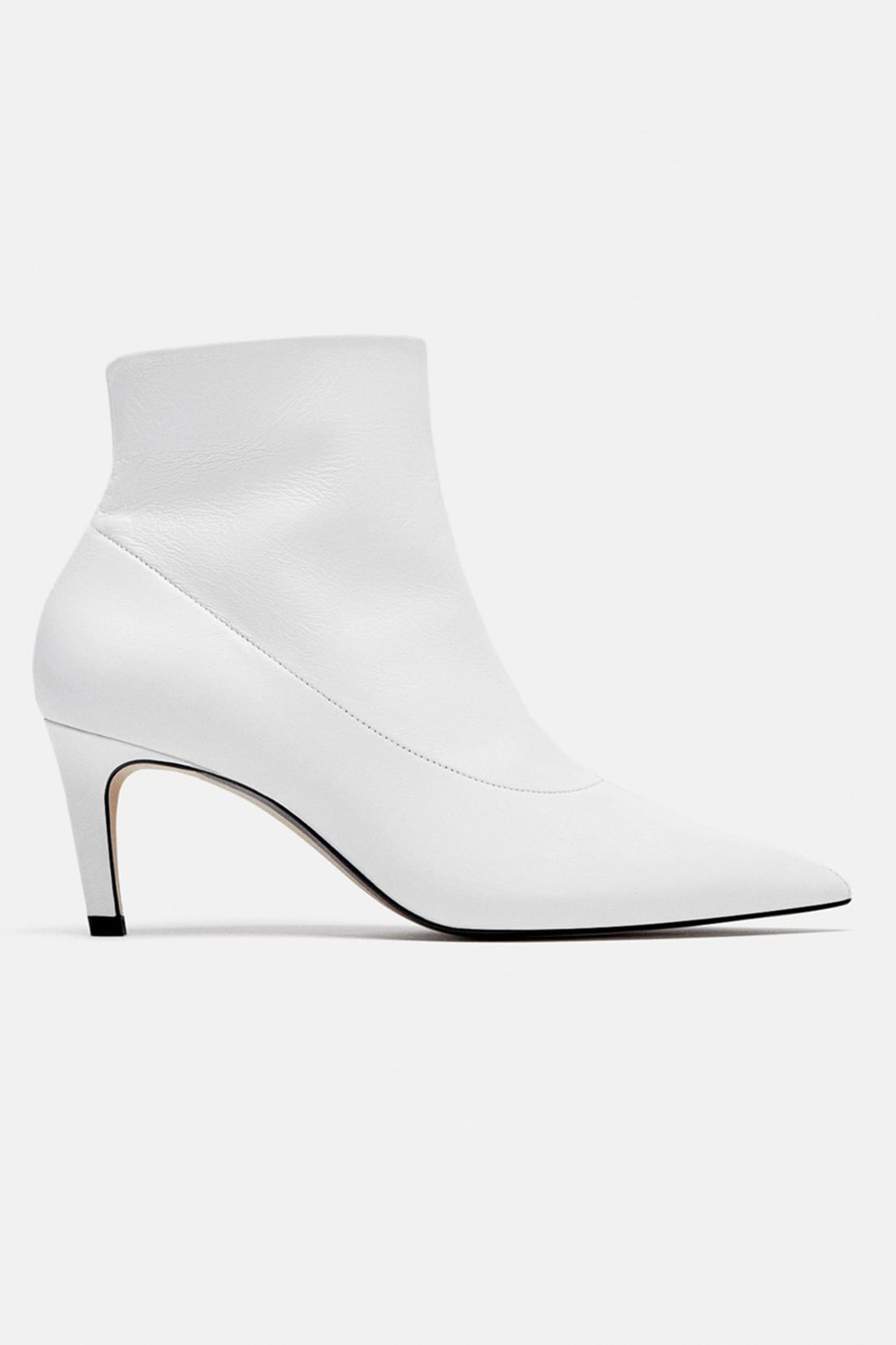 a0d6bf434cc 10 best white boots to buy for autumn 2018 – How to wear white boots