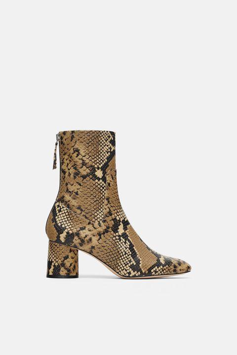 Botines piel de serpiente Zara