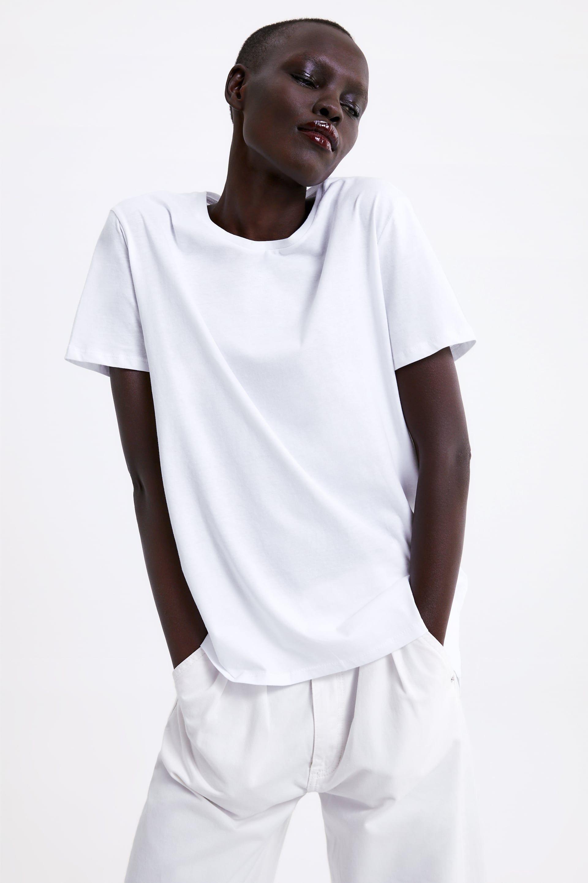 venta usa online mejores marcas ahorre hasta 80% Zara tiene sólo una camiseta básica blanca perfecta y la ha ...