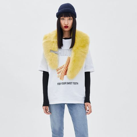 Clothing, White, Beanie, Yellow, Neck, Outerwear, Fashion, Jeans, Sleeve, Shoulder,