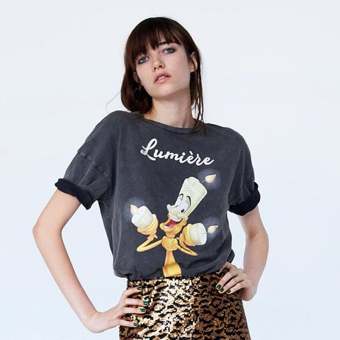 colección de descuento online amplia selección de colores y diseños Zara ha diseñado dos camisetas de Disney para este otoño
