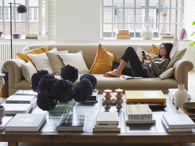 Zara Home Cojines Y Mantas.Entramos Con Zara Home En El Loft De Alex Eagle