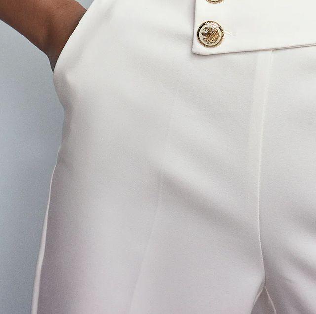 pantalon de tiro alto con bolsillos delanteros, pernera recta y detalles de falsos botones delanteros de zara
