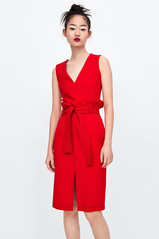 72959d4f6 Vestidos rojos baratos - De Zara a Sfera  vestidos rojos para triunfar en  Navidad