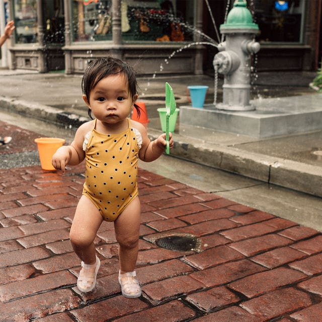 Water, Child, People, Snapshot, Fountain, Town, Vacation, Public space, Fun, Leisure,