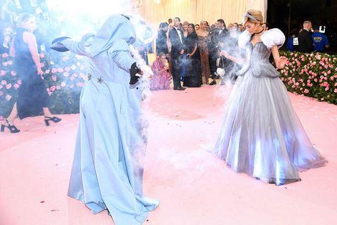 Zendaya Dressed As Cinderella At The 2019 Met Gala In Light Up Dress