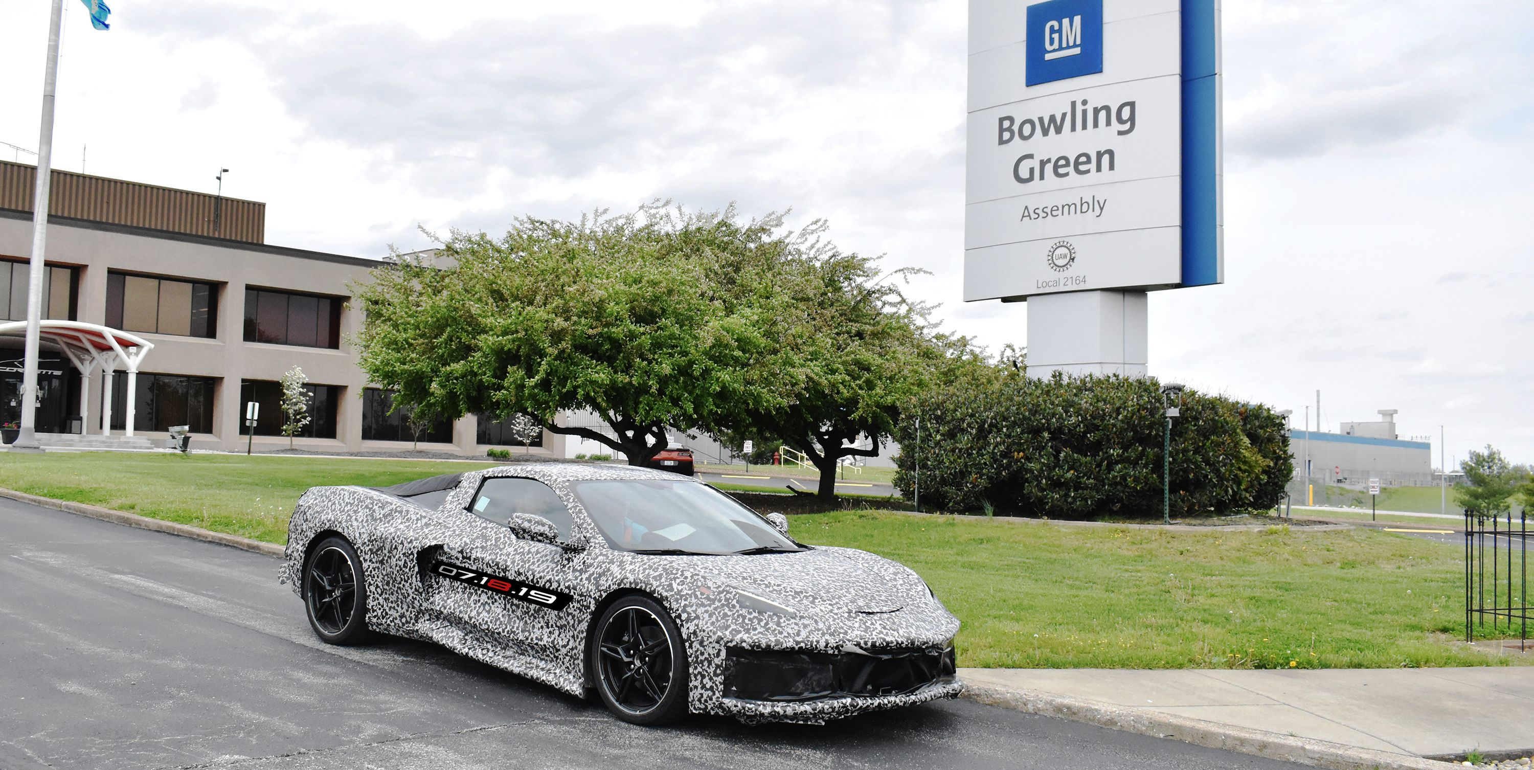 Chevrolet Prepares for C8 Corvette Production by Adding Workers at Bowling Green Factory