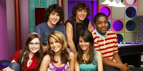 """Everything We Know About """"Zoey 101"""" Reboot"""