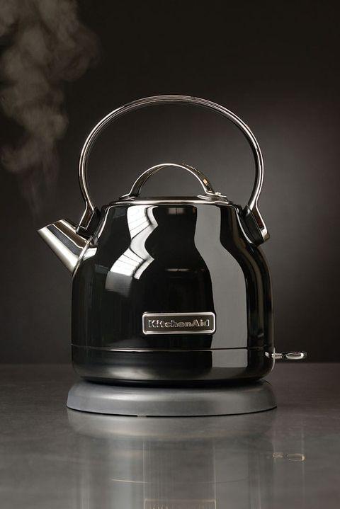 Il bollitore elettrico in stile vintage di Kitchen Aid