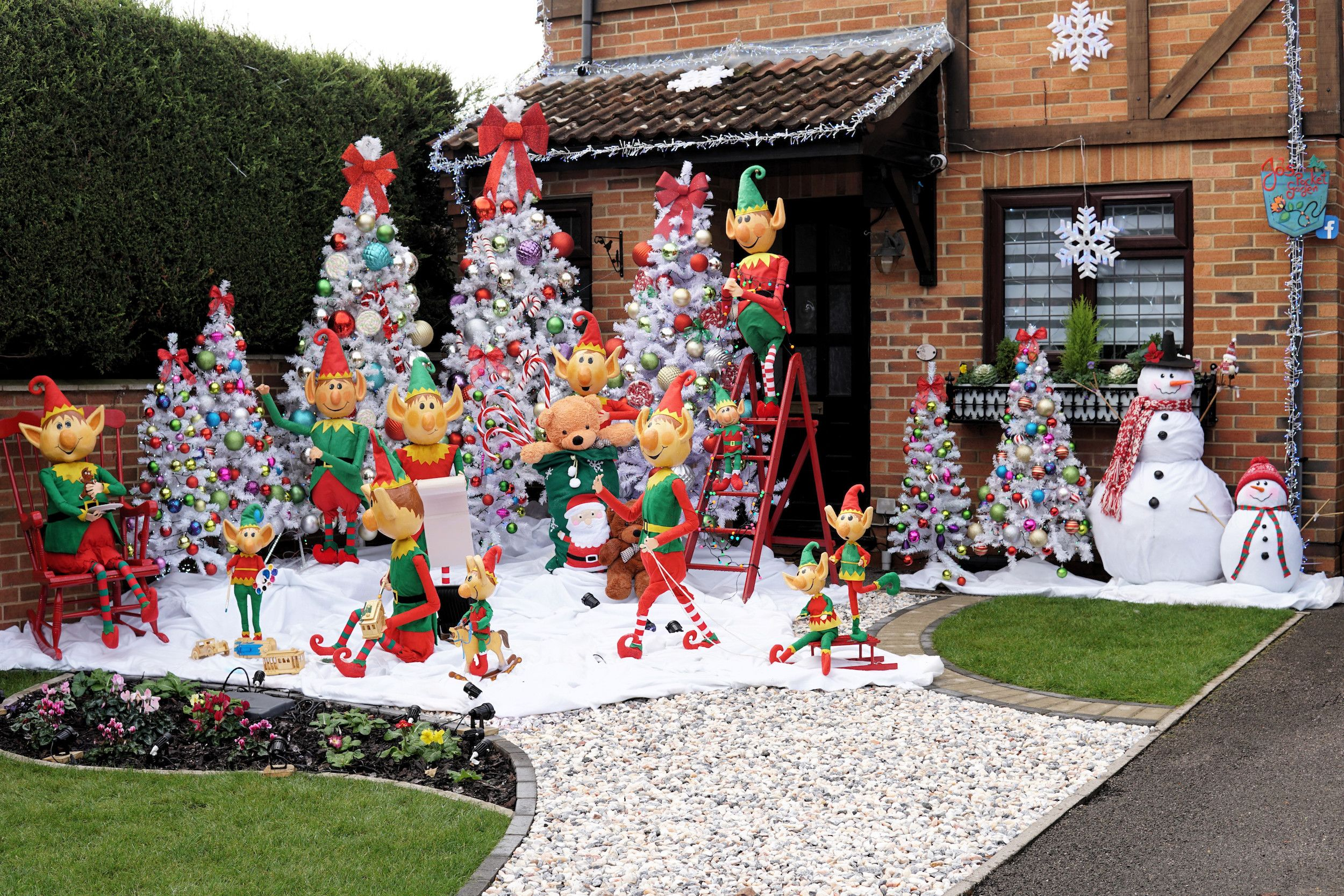 Zoopla crowns house in Reading as the UK's most festive home