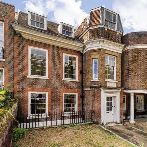 zoopla reveals the houses near haunted locations for halloween 2020