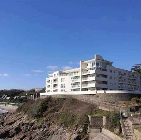 zoopla reveals properties for sale that feel like a holiday