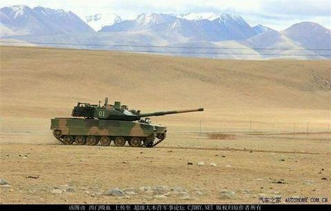 Tank, Combat vehicle, Self-propelled artillery, Vehicle, Military vehicle, Mode of transport, Churchill tank, Gun turret, Military,