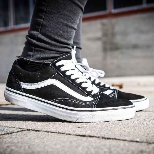cb57d1cf25f Zwarte sneakers zijn dé schoenen die je elke dag kan dragen