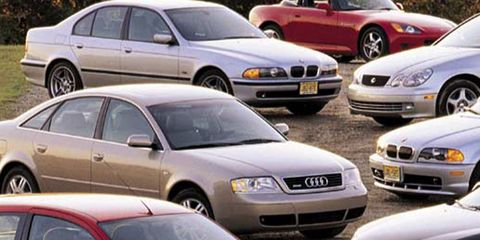 Tire, Wheel, Motor vehicle, Mode of transport, Land vehicle, Vehicle, Automotive design, Daytime, Car, Hood,